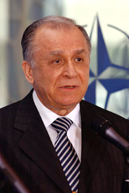 Replacement of Political Power in  Romania will not Affect Azerbaijani-Romanian Relations : Ex-President of   Romania