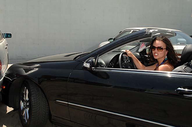 Бритни Спирс врезалась в Mercedes