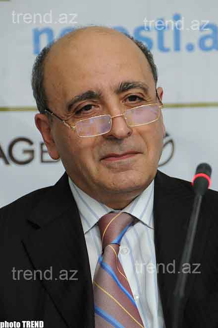 Azerbaijani Opposition to Fail to  Form  Union: Political Scientists