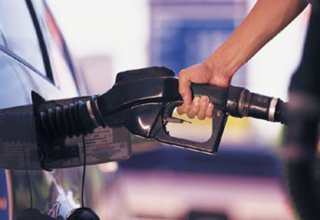 Gasoline consumption decreases in Iran