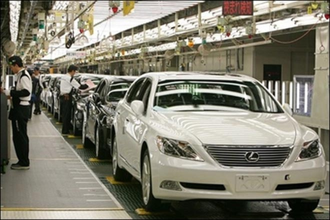 Weak end to 2007 expected for carmakers