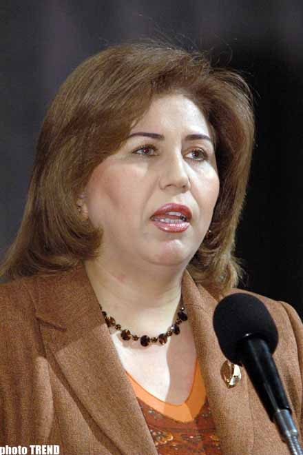 """Bahar Muradova: """"Siyasi partiyalar haqqında"""" yeni qanun qəbul olunmalıdır"""""""