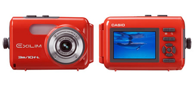 Casio EWC-10: Exilim Case for Snorkellers and Beach Bums