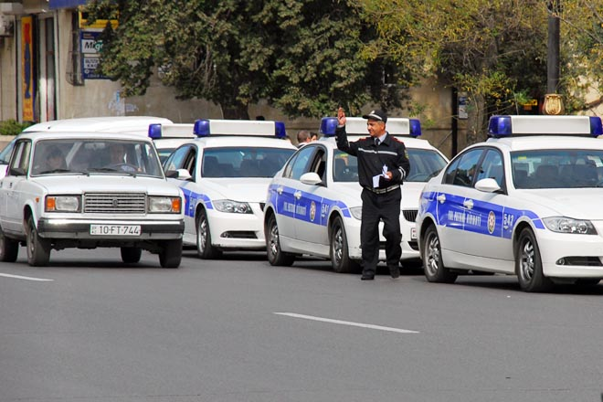 Baku to suspend traffic on roads in direction of Alley of Martyrs