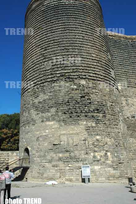 Man Commits Suicide in   Baku       By Jumping from Maiden's Tower - Gallery Image