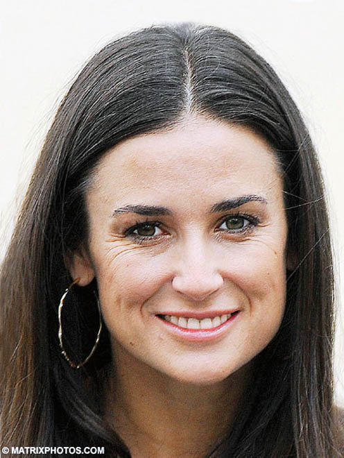 260,000 GBP all-body remodel down the drain as Demi Moore reveals yet more wrinkles