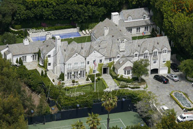 Tom Cruise snaps stunning $30 million home for Kate - Gallery Image