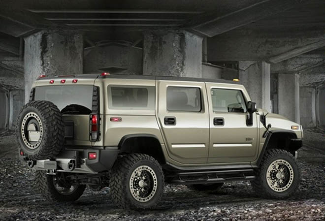 "GM introduces ""green"" Hummer"