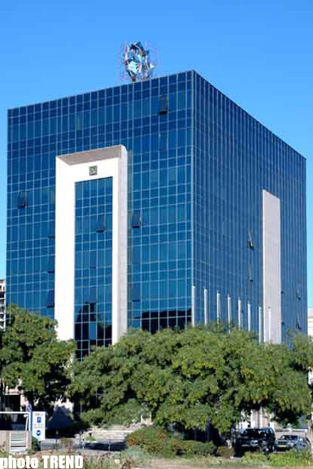 Azerbaijan's largest bank to introduce flexible service system