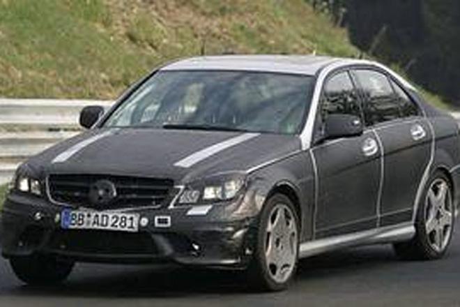 Появились шпионские фото Mercedes-Benz C63 AMG