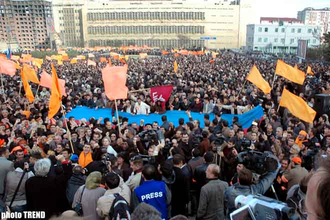 Azadlig bloc holds rally - Gallery Image