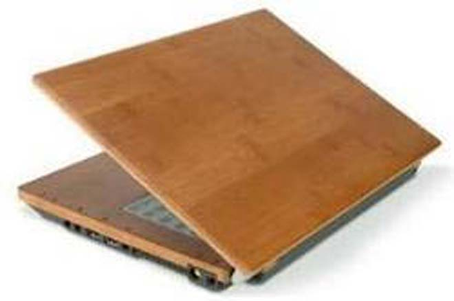 Bamboo encloses recyclable notebook
