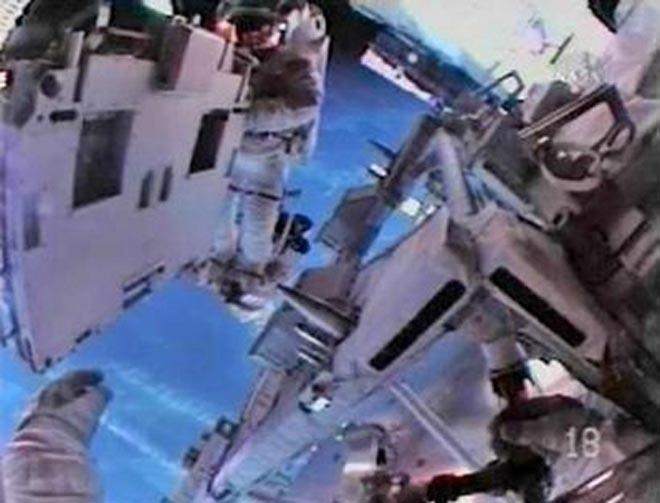 "Астронавты ""Атлантиса"" оставят на МКС флаг США в память о шаттлах"