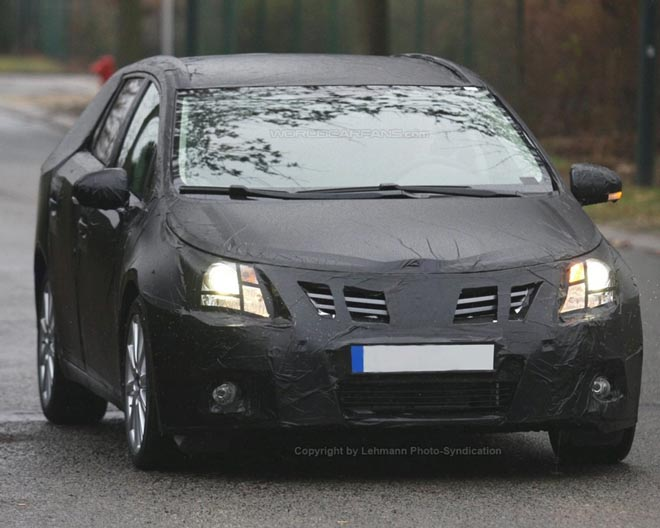 First New   Toyota Avensis Wagon Spy Photos - Gallery Image