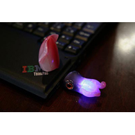 Laptop gobbles up glowing USB squid