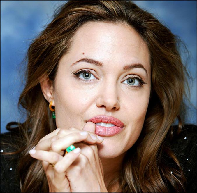 Angelina Jolie Struggling To Cope With Twins