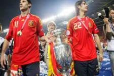 Spain win European Championship (photo session) - Gallery Thumbnail