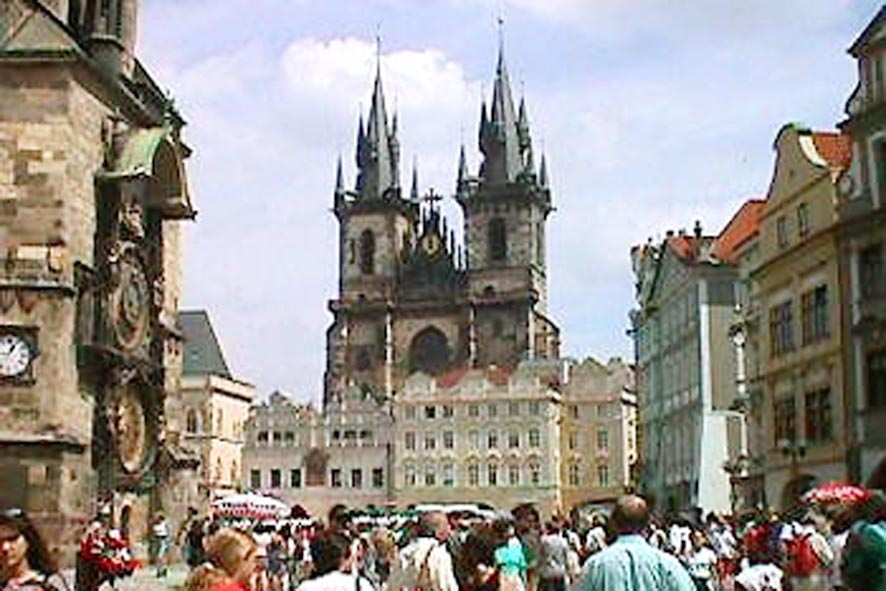 Prague has agreed to host disarmament treaty signing