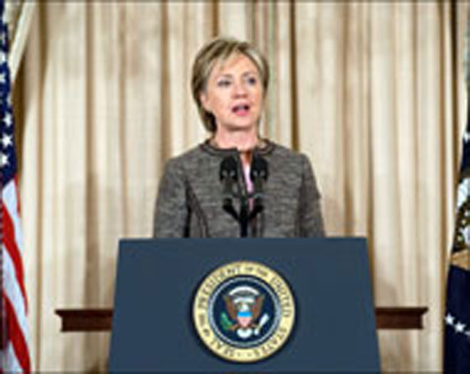 Clinton says North Korea must give up nuclear program
