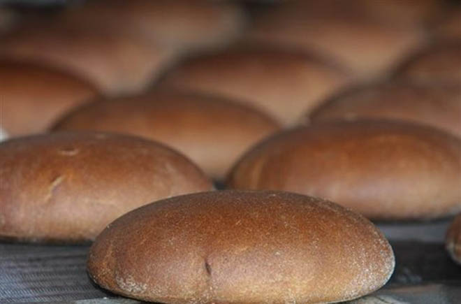 Azerbaijan suspends production of some bread types
