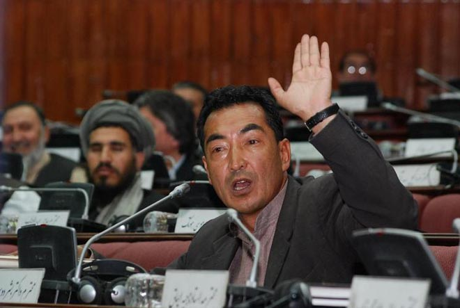 Large falsification in presidential elections in Afghanistan: presidential candidate
