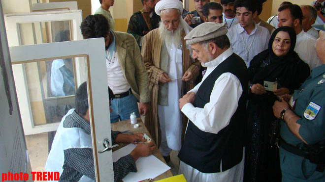 Afghanistan commission orders partial vote recount