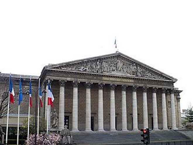 French National Assembly evacuated on bomb alert