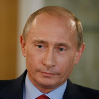 Putin refuses to rule out return to Kremlin