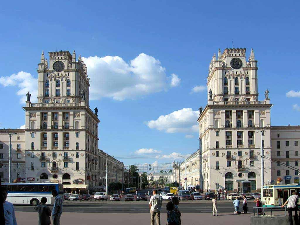 Assailants attack Russian Embassy in Minsk with fire bombs