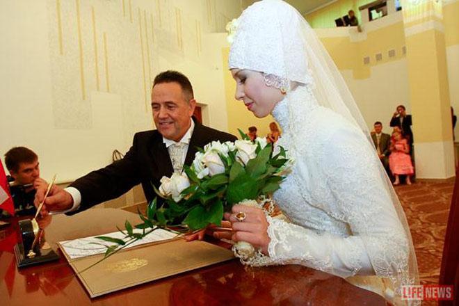 Ренат Ибрагимов сыграл свадьбу в Москве - Gallery Image