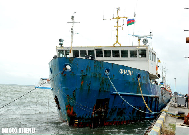 Russian Fili ship suffered disaster in Caspian Sea taken to Baku (Photosession ) - Gallery Image