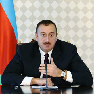 Azerbaijani president meets French FM in Paris