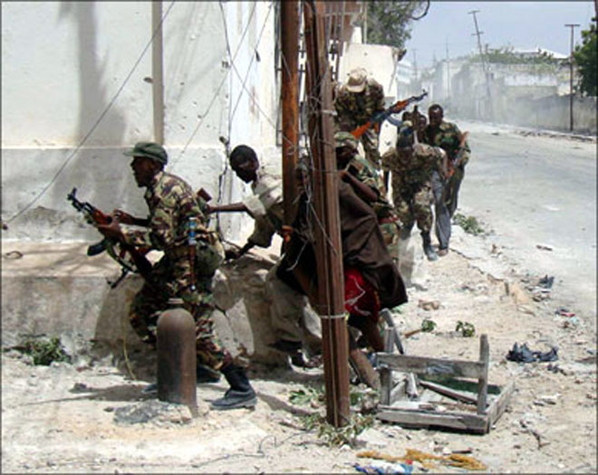 Somalia must speed overhaul of fragile army to face militants, say donors