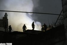 Heavy fire extinguished in residential building in the Inner Сity of Baku (PHOTO) - Gallery Thumbnail