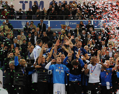 Milito shoots Inter Milan to fifth consecutive title