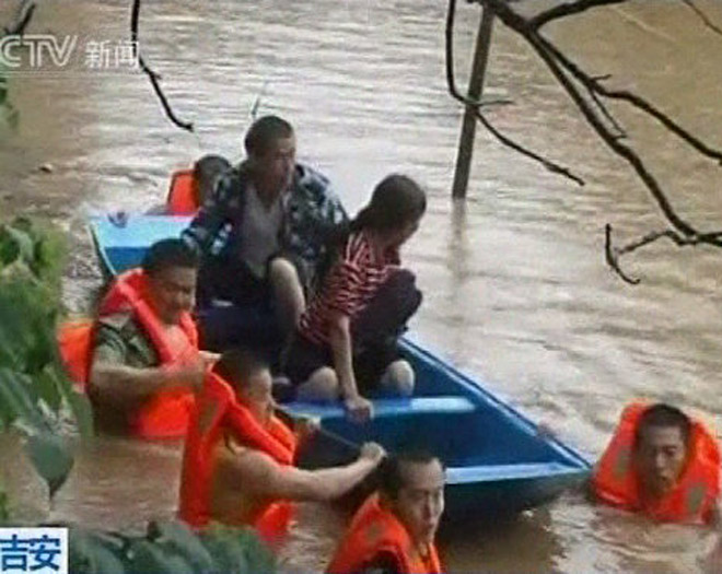 127,000 evacuated as floods hit north-eastern China