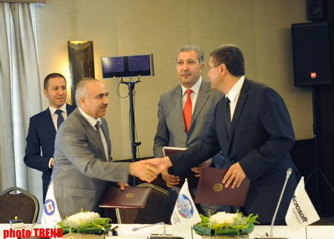 Azerbaijan sign agreement on People's Computer project's main phase (PHOTO)