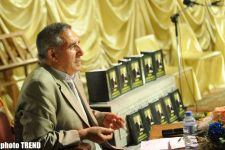 Presentation of book by poet Salim Sinedefter held (PHOTO) - Gallery Thumbnail