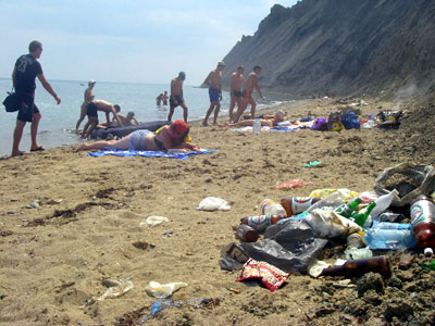 Azerbaijan fines facilities not regulating domestic emissions on Absheron's beaches
