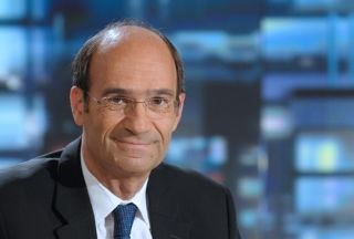 French minister cleared of corruption