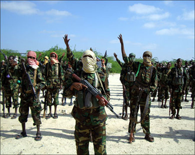 Fresh fighting in Mogadishu after suicide attack Eds: Updates death toll