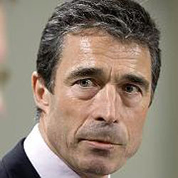 Afghanistan withdrawal on track for 2014, NATO's Rasmussen says
