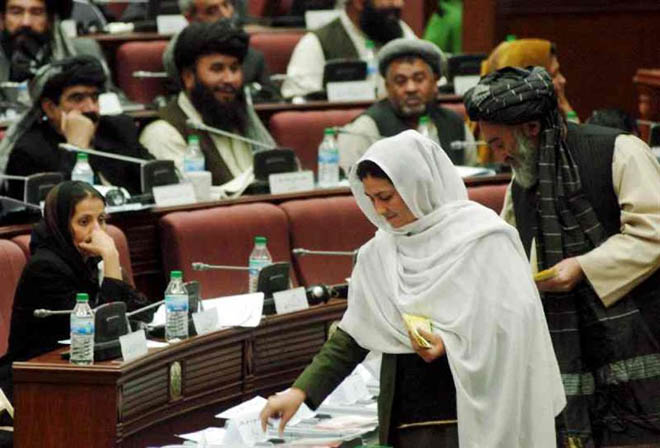 Experts: Cost to Afghan women's rights depends on community's unity in negotiations with Taliban