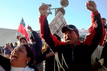 Trapped Chilean miners warned rescue will take months