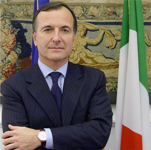 Military operations in Libya should continue: Italian FM