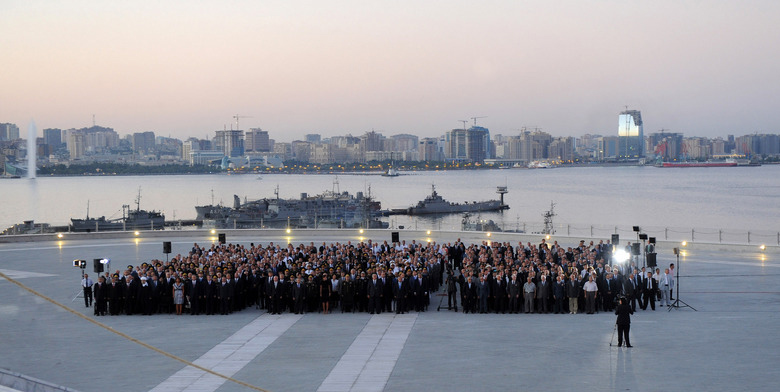 President of Azerbaijan attends inauguration of National Flag Square (PHOTO) - Gallery Image