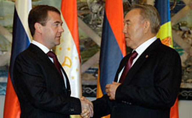 Медведев и Назарбаев обсудили двустороннее сотрудничество