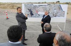 Президент Азербайджана ознакомился с ходом работ по расширению и строительству автомобильных дорог на территории Международный аэропорт Гейдар Алиев-Мардакянский круг-поселок Бильгях (ФОТО) - Gallery Thumbnail