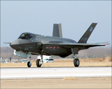 Turkey intends to purchase two F-35 fighters