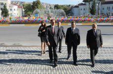 Президент Азербайджана ознакомился с капитальным ремонтом в Мингячевирском государственном драматическом театре (ФОТО) - Gallery Thumbnail